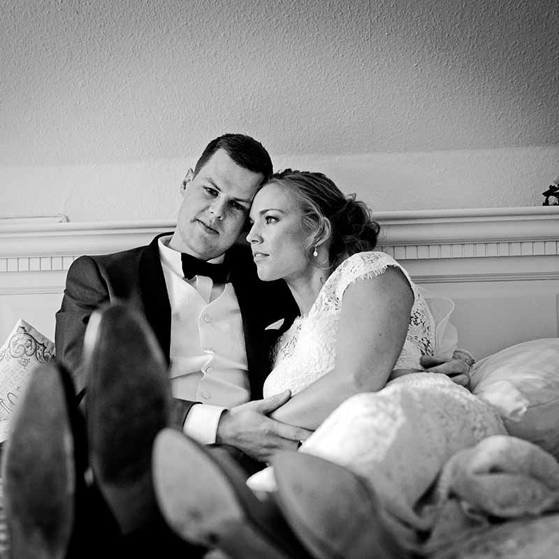 how much is a wedding photographer